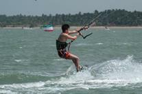 Kalpitiya kitesurfing school