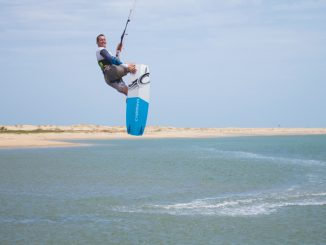 kitesurfing in kalpitiya. High jump